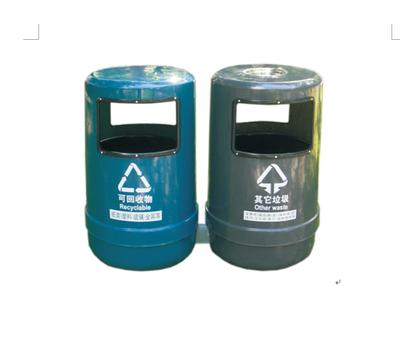 玻璃钢产品外观形状布局灵活、美观大方、箱体设计方便换装垃圾袋及清理垃圾,装卸方便使用;安全、环保、节能、安全可靠,容量大,是小区和街道通用化的一种玻璃钢环保型垃圾桶。